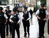 الشرطة البريطانية تحقق فى مادة مريبة على قطار أنفاق فى لندن