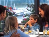 دراسة حديثة تكشف: المطاعم تعرضك للإصابة بكورونا أكثر من السفر والتسوق