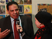 الأسوانى يطالب خالد يوسف بإسقاط قانون التظاهر.. والنائب:لم أدع للإقرار دون مناقشة