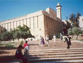 منع رفع الأذان 51 وقتا فى المسجد الإبراهيمى بالخليل الشهر الماضى