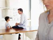 د.مى عبد السلام تكتب: موضة الآباء الموجهين راحت عليها