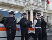 فرنسا تدين الاعتداء على يهوديين لدى خروجهما من كنيس بالقرب من باريس