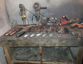 ضبط ورشة تصنيع أسلحة بمنزل فلاح فى بنى سويف