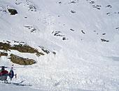 مصرع 10 أشخاص على الأقل جراء وقوع انهيار جليدى جنوب سويسرا