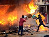 السيطرة على حريق بمحل تجارى دون إصابات بالصف