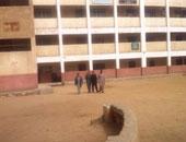 اختفاء عامل مدرسة ميت غمر الثانوية صاحب الفيديوهات الجنسية بعد قرار ضبطه