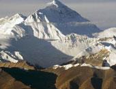 """رجل نيبالى يتسلق جبل """"إيفرست"""" للمرة 23 محققا رقما قياسيا"""