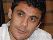 """أحمد حسن """"يتوسط"""" لإنهاء أزمة تجديد """"فتحى"""" مع الأهلى"""