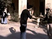 عامل يشرع فى ذبح ربة منزل بعد معاكستها بالوراق