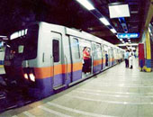 انتظام حركة القطارات بالخط الثانى للمترو بعد توقف قطار بمحطة الأوبرا