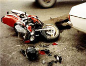 إصابة شخصين فى حادث تصادم سيارة ودراجة بخارية بمنطقة المعادى
