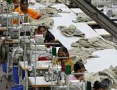 ضبط مصنع لإنتاج الملابس من مواد مجهولة المصدر بدار السلام