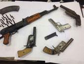 """ضبط عاطلين بأسلحة نارية وذخيرة """"غير مرخصة"""" بالقليوبية"""
