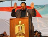 علاء الأسوانى: تأييد الحكم على مبارك انتصار للثورة صنعه الشهداء بدمائهم