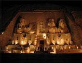 صحيفة إيطالية: تعامد الشمس على تمثال رمسيس الثانى أهم عوامل جذب السياح لمصر