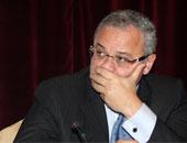 هشام زعزوع يصل مكتبه بوزارة السياحة لجمع متعلقاته وتوديع الموظفين