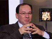"""""""ردح"""" حلفاء الإخوان.. وائل قنديل ينقلب على حازم حسنى بعد """"خناقة"""" الأسوانى"""