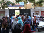 نائب محافظ القاهرة يتابع مع مديرى المديريات سير امتحانات الثانوية