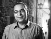 سارة دوريش تكتب عن أحمد خالد توفيق : وداعًا أيها الغريب