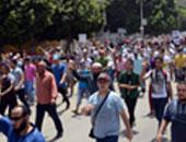 """عناصر الجماعة الإرهابية يقطعون شارع الهرم احتجاجا على الحكم بسجن """"مرسى"""""""