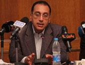 """وزير الإسكان يطالب """"المقاولون العرب"""" بتطبيق اللامركزية وتطوير الأداء"""