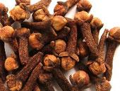 نصائح للعلاج السريع من نزلات البرد الصيفية منها الغرغرة بالشاى والقرنفل