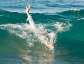 انتشال جثة طبيب من الرياح البحيرى بالبحيرة بعد 3 أيام من البحث