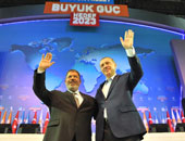 فولة واتقسمت نصين.. وزير دفاع تركيا يغشش أردوغان على طريقة بديع ومرسى