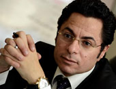 """خالد أبو بكر مشيدا بـ""""واتس آب"""" اليوم السابع: """"عاوز كل الناس تتابعها"""""""