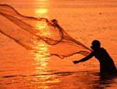 نقيب الصيادين: غرفة عمليات بهيئة الثروة السمكية لمتابعة أزمة الـ300 صياد