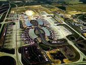 رئيس شركة مطارات باريس يعارض وضع نفاط تفتيش عند المداخل العامة
