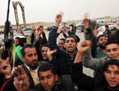 """ليبيون يغلقون الحقول النفطية بـ""""حوض مرادة"""" احتجاجا على تهميش البلدية"""