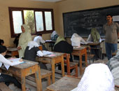 طلاب الثانوية العامة دور ثانى يبدأون امتحان الديناميكا والاقتصاد