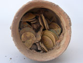 رويترز : العثور على كنز من العملات الذهبية تعود للعصر العباسى فى إسرائيل
