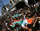 ألوف يشيعون جنازة فلسطينى قتله جندى إسرائيلى منذ شهرين