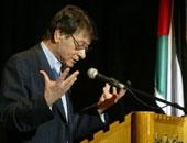 فى ذكرى رحيله العاشرة.. ماذا قال رجاء النقاش عن محمود درويش؟