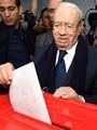 قائد السبسى يدلى بصوته فى الانتخابات الرئاسية بتونس