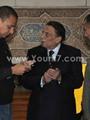 وصول الزعيم عادل إمام لمسجد صلاح سالم لتقديم العزاء