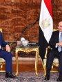 السيسي وعباس يؤكدان الحفاظ على فرص التوصل لتسوية نهائية للقضية الفلسطينية