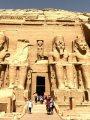 الشمس تتعامد غدا على وجه رمسيس الثانى بمدينة أبو سمبل فى أسوان