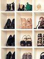 اختيار الحذاء-ارشيفية
