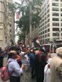 """فيديو وصور.. """"بشرة خير"""" تلهب حماس المصريين فى أمريكا أمام فندق إقامة الرئيس بنيويورك"""