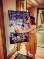 ايمليا كلارك تحتضن البوستر الرسمى لفيلمها الجديد Last Christmas من عرضه الخاص