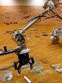 العلماء يفكرون فى إنشاء حجر صحى على سطح القمر.. اعرف السبب