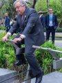 الأمين العام للأمم المتحدة يركب دراجة لمعالجة المياه فى تايلاند.. اعرف السبب؟