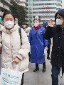 الصين تعلن شفاء عاملين أصابهم فيروس كورونا