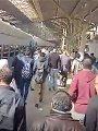 زحام داخل قطار الزقازيق - القاهرة رغم تحذيرات وزير النقل.. فيديو