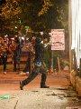 10 صور ترصد مشاهد السلب والنهب فى أمريكا عقب مقتل رجل أسود على يد الشرطة
