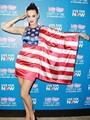 """بالفيديو.. كاتى بيرى تدعو الأمريكان للتصويت فى الانتخابات """"بدون ملابس"""""""