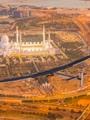أول طائرة فى العالم تعمل بالطاقة الشمسية تحلق فوق أبو ظبى